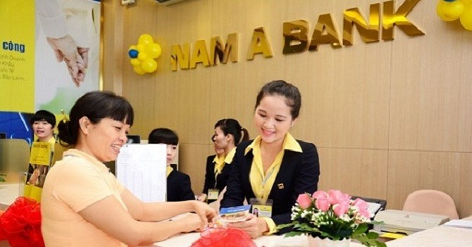 """Nhiều khách hàng trúng thưởng chương trình """"25 năm – Đồng hành cùng bạn"""" tại Nam A Bank"""