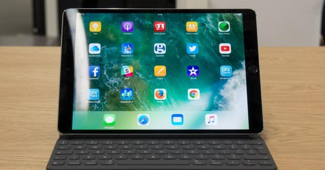 Sếp Microsoft: iPad Pro là sản phẩm ăn theo