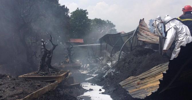Hà Nội: Cháy kho nhựa 1.000m2 đúng giờ nghỉ trưa