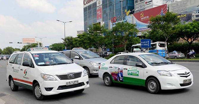 """Lo ngại đấu thầu """"quyền khai thác"""" taxi sẽ thiếu minh bạch"""