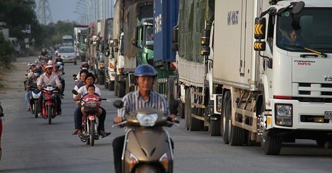TP.HCM sẽ dừng hoạt động xe tải vào ban ngày để giảm ùn tắc