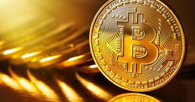 Bitcoin vượt ngưỡng 3.0000 USD sau khi chia tách