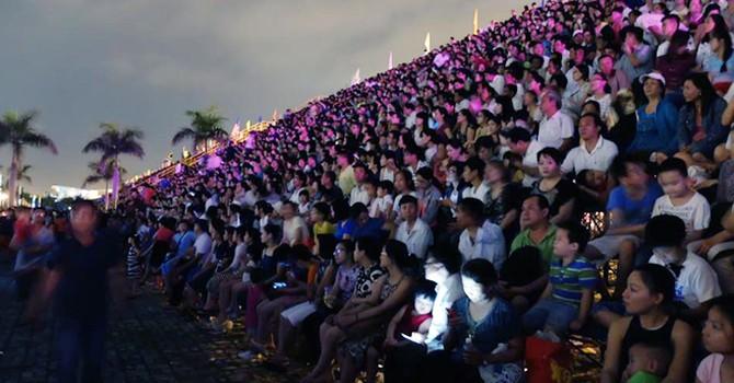 Pháo hoa Đà Nẵng: Đội Việt Nam ghi điểm đêm đầu tiên