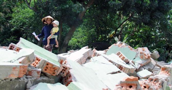 """Đà Nẵng: Phê bình cán bộ khiến dân """"dỡ nhà ra ở lán trại"""""""