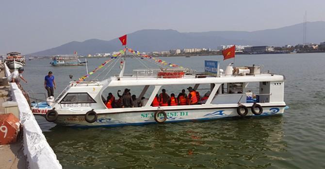 Đà Nẵng: Khởi tố vụ án lật tàu chở khách du lịch trên sông Hàn