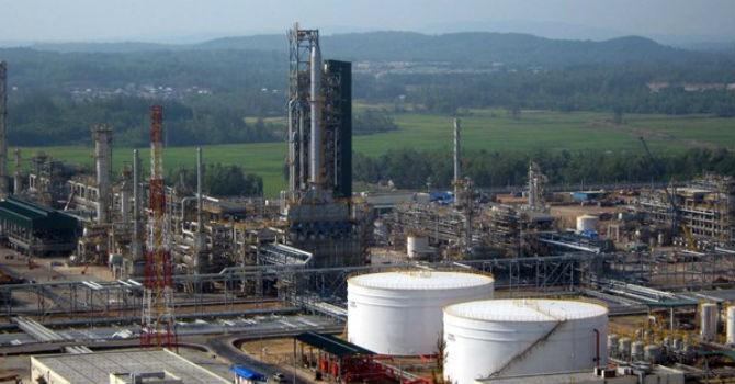 """""""Nhà máy lọc dầu Dung Quất không thể đóng cửa"""""""