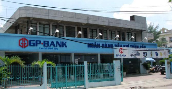 Tài chính 24h: Ngân hàng tăng thu phí, GPBank âm vốn hơn 9.000 tỷ đồng