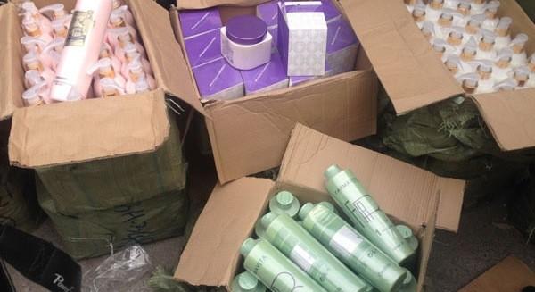 Tràn lan mỹ phẩm Thái Lan nhập lậu
