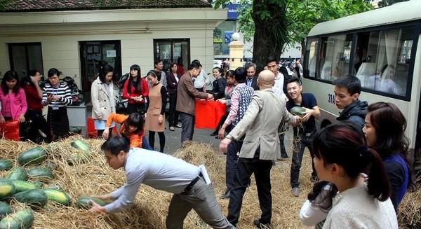 TP HCM: Các siêu thị giúp tiêu thụ dưa hấu miền Trung