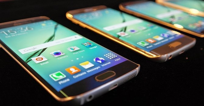 Công nghệ 24h: Samsung Galaxy S6 vừa lên kệ dính lỗi màn hình