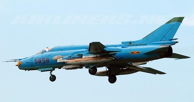 Tìm thấy thùng dầu của 2 chiếc SU-22 mất tích trên biển Ninh Thuận