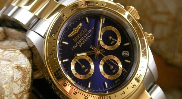 """Vì sao đồng hồ Thụy Sĩ """"tuyên chiến"""" với Apple Watch?"""