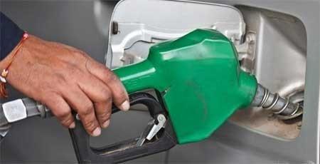 """Yêu cầu xử nghiêm các vụ """"móc túi"""" người mua xăng dầu"""