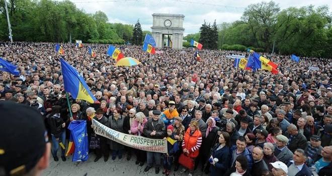 """Moldova sẽ dẫm vào """"vết xe đổ"""" Ukraine khi 1 tỷ USD """"bốc hơi""""?"""