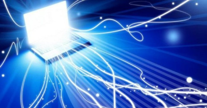 """Công nghệ 24h: Internet Việt Nam """"chậm chạp"""", tưới rau bằng tin nhắn"""
