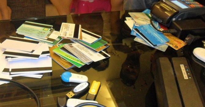 """Lỗ hổng bảo mật trên ATM, người Việt """"đối mặt"""" với nguy cơ mất tiền"""