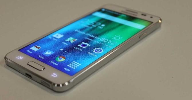 """Samsung """"đánh mất mình"""" dù thị trường smartphone bùng nổ"""