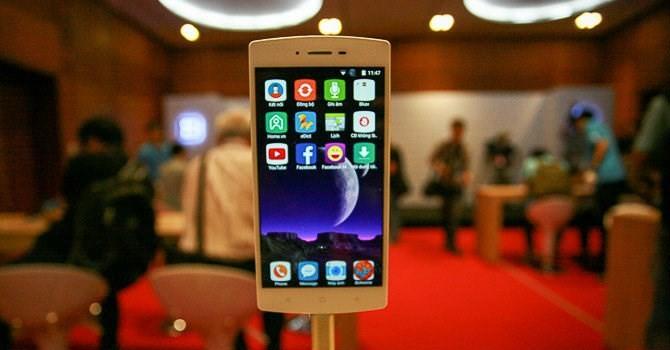"""Công nghệ 24h: Điện thoại Bphone sắp """"tái xuất"""""""