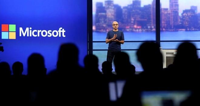 Bị cạnh tranh quyết liệt, Microsoft quyết thay đổi để tránh tụt hậu