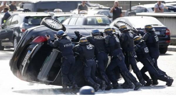 Biểu tình chống Uber tại Pháp biến thành bạo loạn, Paris chìm trong khói lửa
