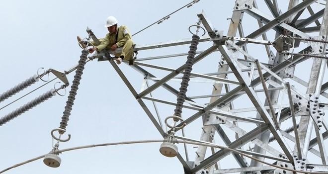 Công suất và sản lượng tiêu thụ điện tăng kỷ lục do nắng nóng