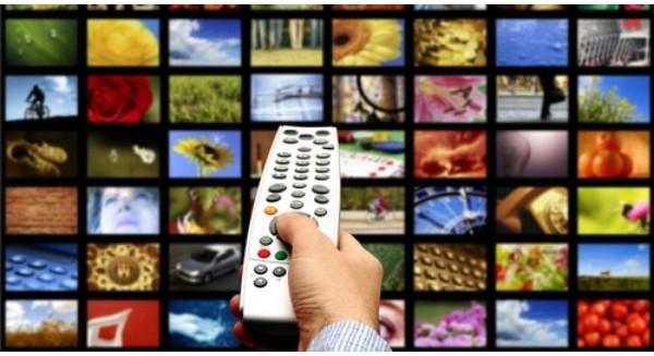 """Truyền hình đang """"đô hộ"""" Internet?"""