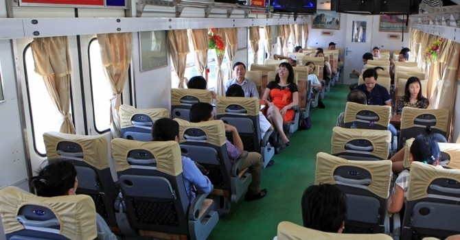 Gỡ khó cho vận tải đường sắt Hà Nội