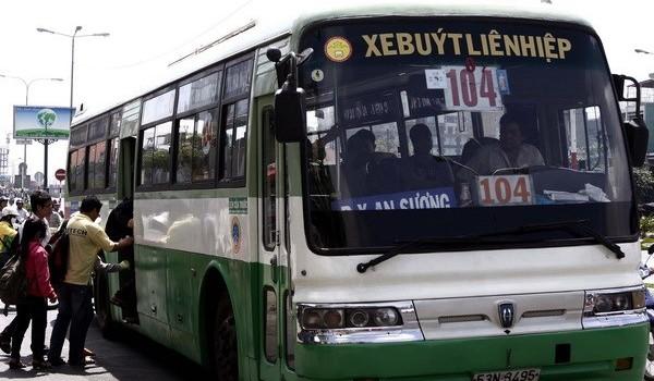 Thay thế xe buýt thường bằng xe buýt điện