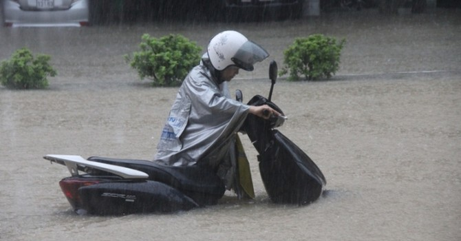 Quảng Ninh: Giá cả đắt đỏ sau mưa lụt