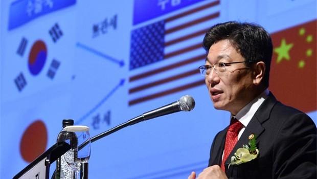 """Kinh tế trì trệ, Hàn Quốc cần """"chiếc phao"""" TPP"""