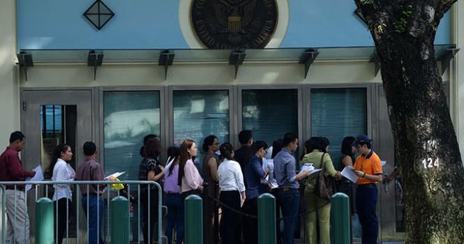 Đầu tư để được định cư nước ngoài: Lách luật chuyển ngoại tệ