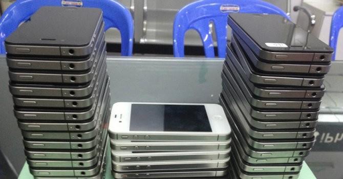 """Công nghệ làm giả iPhone bằng dây đồng đến """"khó tin""""?"""