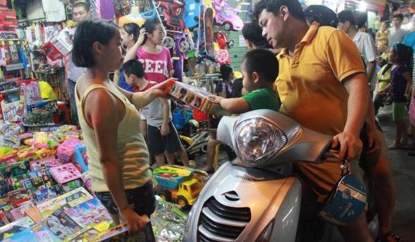 Sắp đến Trung Thu: Lại lo chất lượng đồ chơi trẻ em