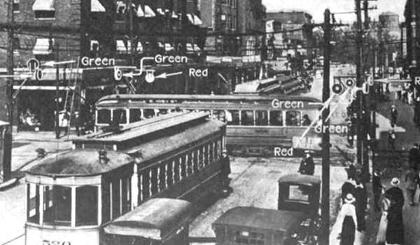 Đèn tín hiệu giao thông ra đời thế nào?