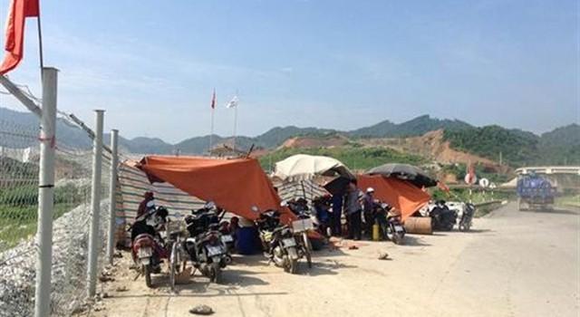"""Thái Nguyên: Công ty Núi Pháo bị dân """"bủa vây"""""""