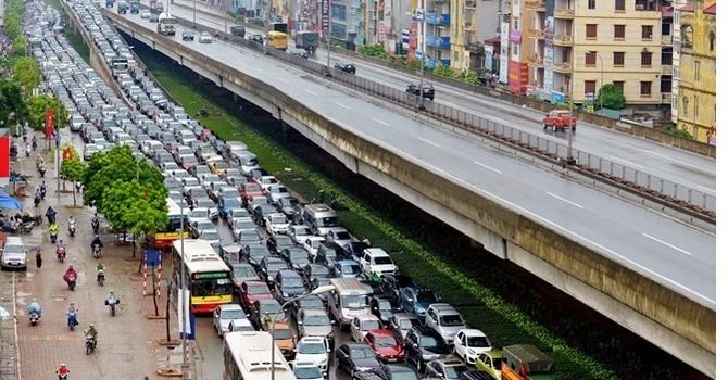 Minh chứng tắc đường tại Hà Nội là do ô tô