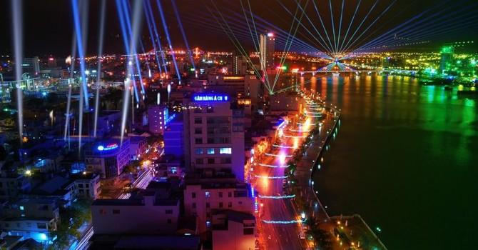 Đà Nẵng: Du khách phản ứng việc hủy lễ hội ánh sáng mà không thông báo!