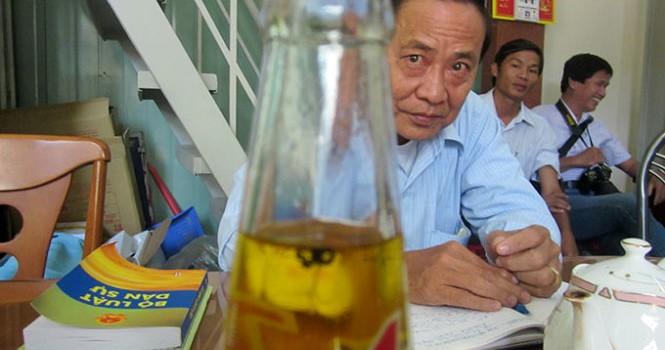 Chuyển hồ sơ vụ chai Number One có ruồi sang viện kiểm sát
