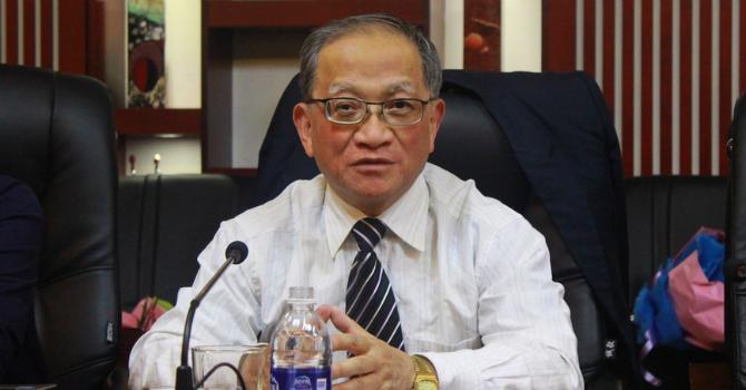 """TS Lê Đăng Doanh: Nhập lậu từ Trung Quốc có thể """"giết chết"""" doanh nghiệp Việt"""