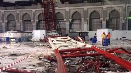 Sập thánh đường Hồi giáo lớn nhất thế giới, 107 người chết