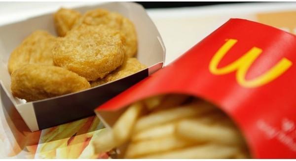 """Tại sao McDonald's, Burger King, KFC,...""""chuộng"""" màu đỏ?"""