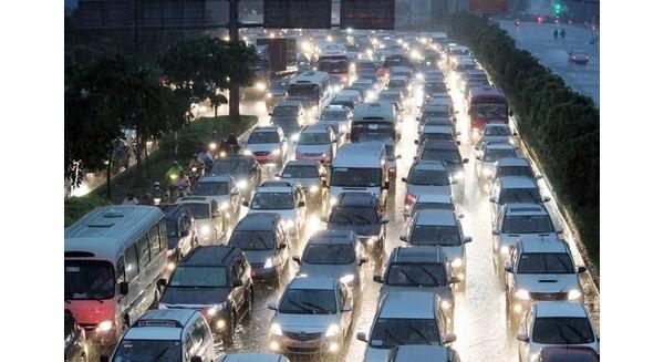 """Tăng thuế không làm giảm đà tăng trưởng của """"siêu xe"""" tại Việt Nam"""