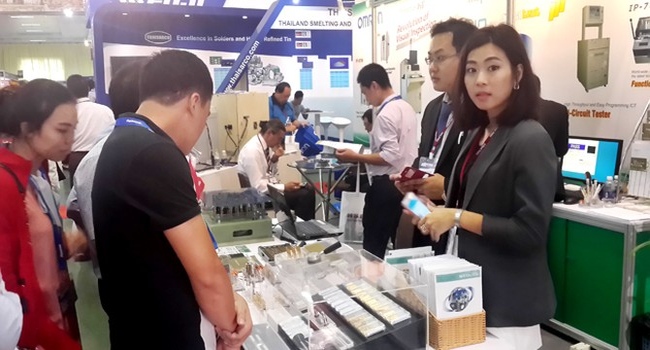 """Doanh nghiệp Việt """"mất tích"""" trong chuỗi cung ứng của Samsung, LG, Intel"""