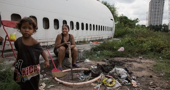 """Cận cảnh cuộc sống trong """"nghĩa địa máy bay"""" ở Thái Lan"""