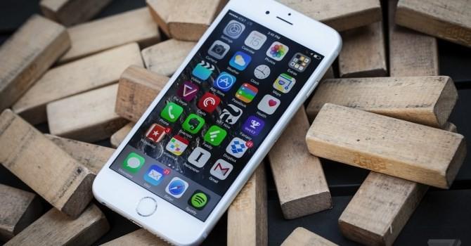 """Công nghệ 24h: iPhone 6s vừa về Việt Nam đã bị """"tóm"""", xe buýt """"bơi"""" giữa phố"""