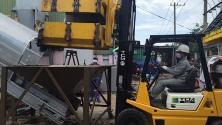 Nước ngoài ồ ạt mua máy xử lí rác Việt Nam sản xuất