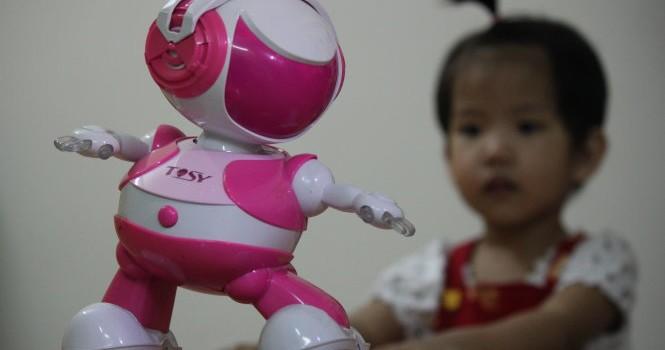 Người Việt mơ làm robot: Thách thức quá lớn