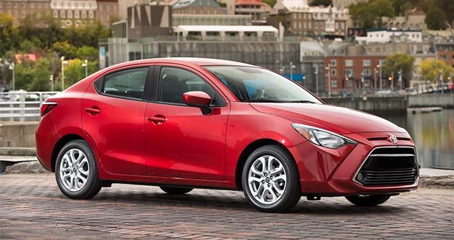 """Kẹt ý tưởng, Toyota Yaris mới """"nhái"""" Mazda2?"""