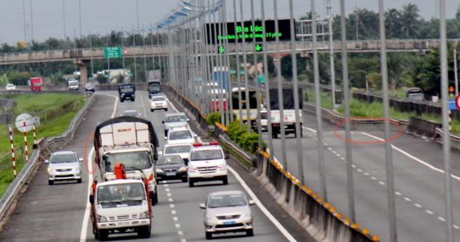 Hiểm họa rình rập trên cao tốc TP.HCM - Trung Lương