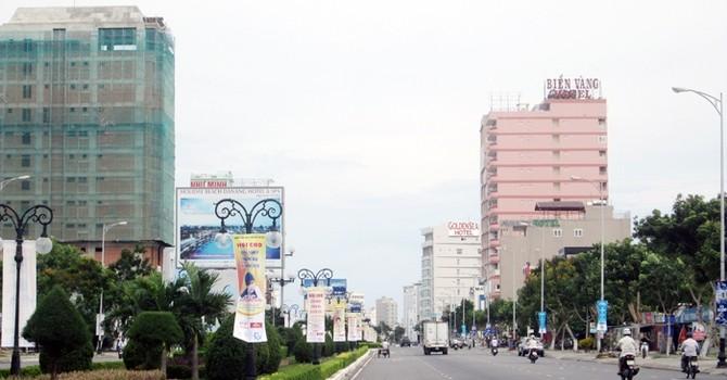 """Đà Nẵng: Nguy cơ """"vỡ trận"""" khách sạn"""